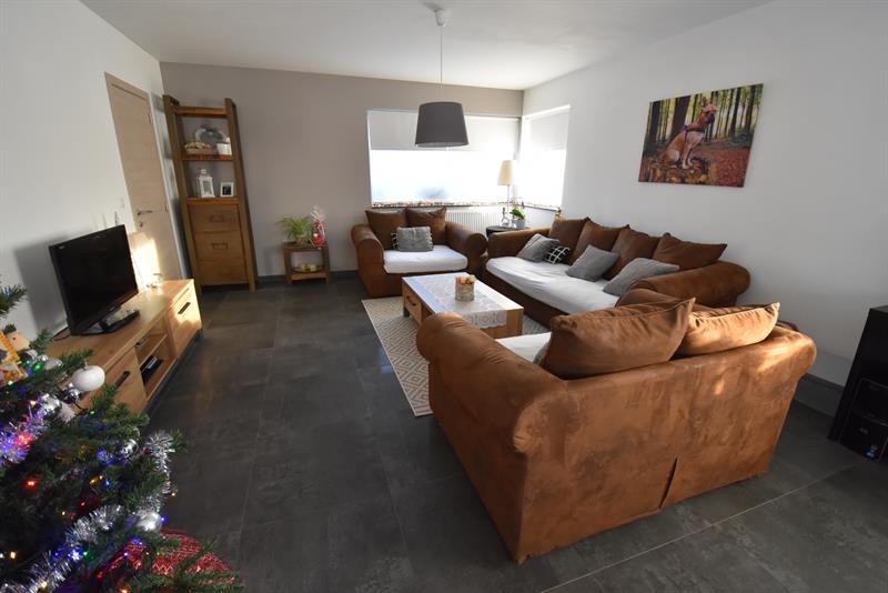 VERHUURD Half vrijstaande woning met 3 SLPKS, TUIN & CARPORT