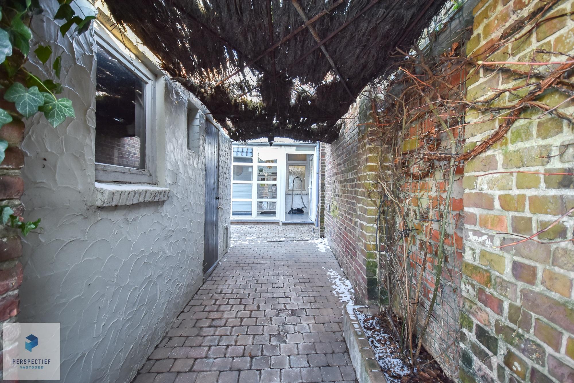 RUSTIG gelegen woning met 3 slpks, diepe tuin & bijhuis - 8