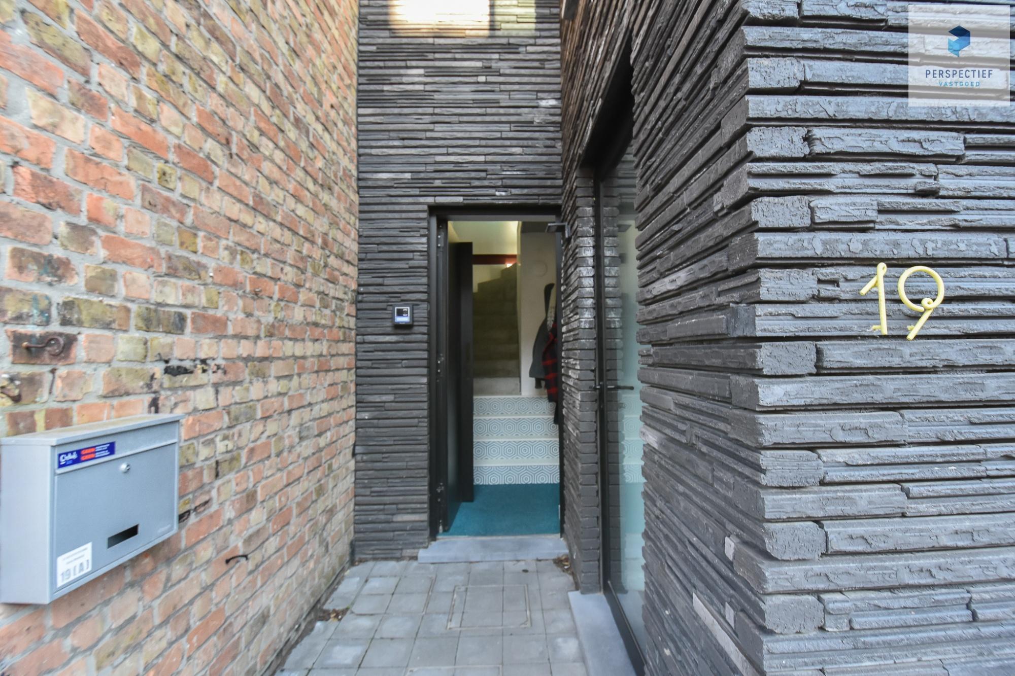 Ruime moderne architectenwoning en kantoor (bj 2018) met 3 verdiepingen, spectaculair dakterras en tuin - 23