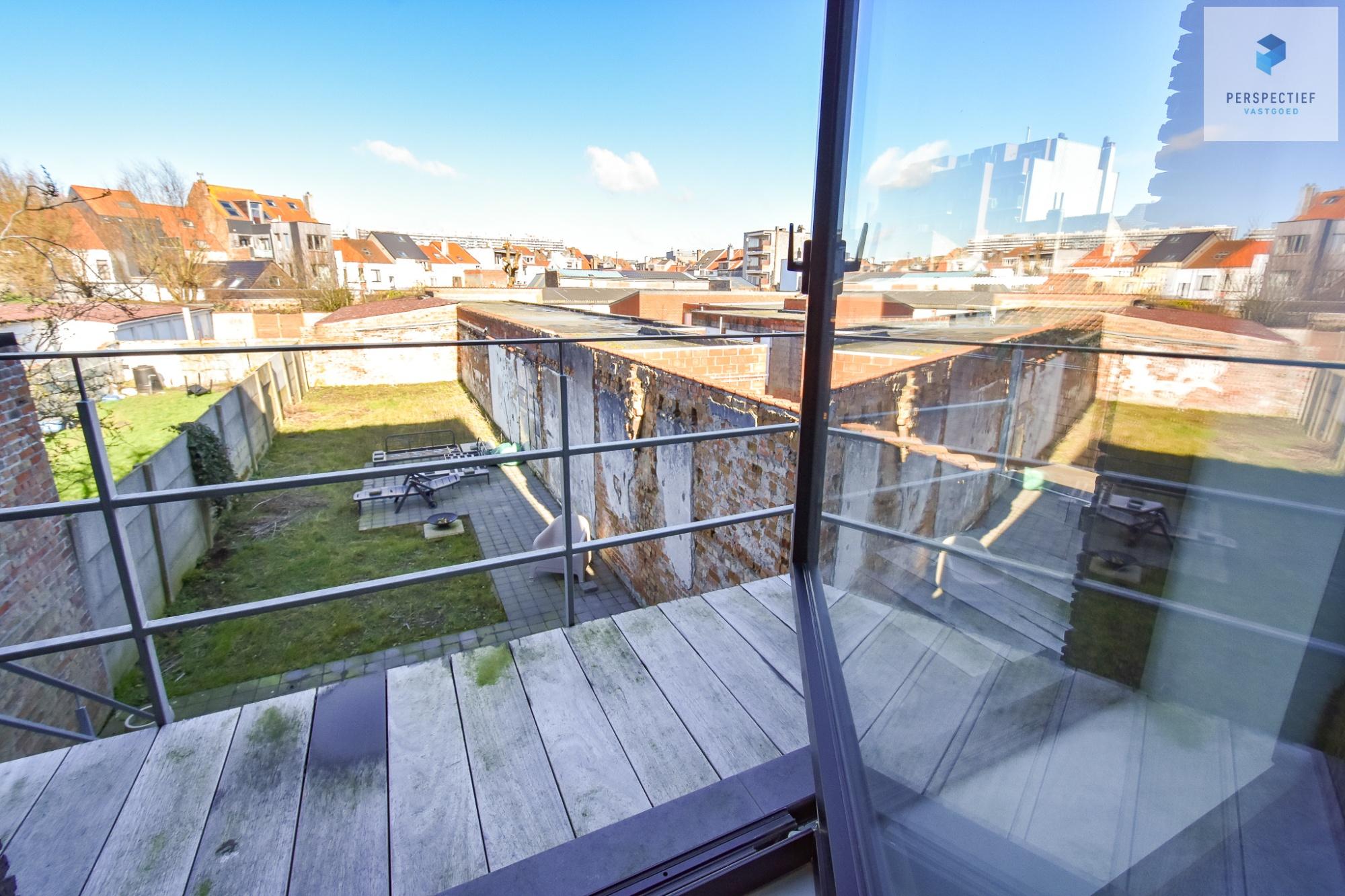 Ruime moderne architectenwoning en kantoor (bj 2018) met 3 verdiepingen, spectaculair dakterras en tuin - 9