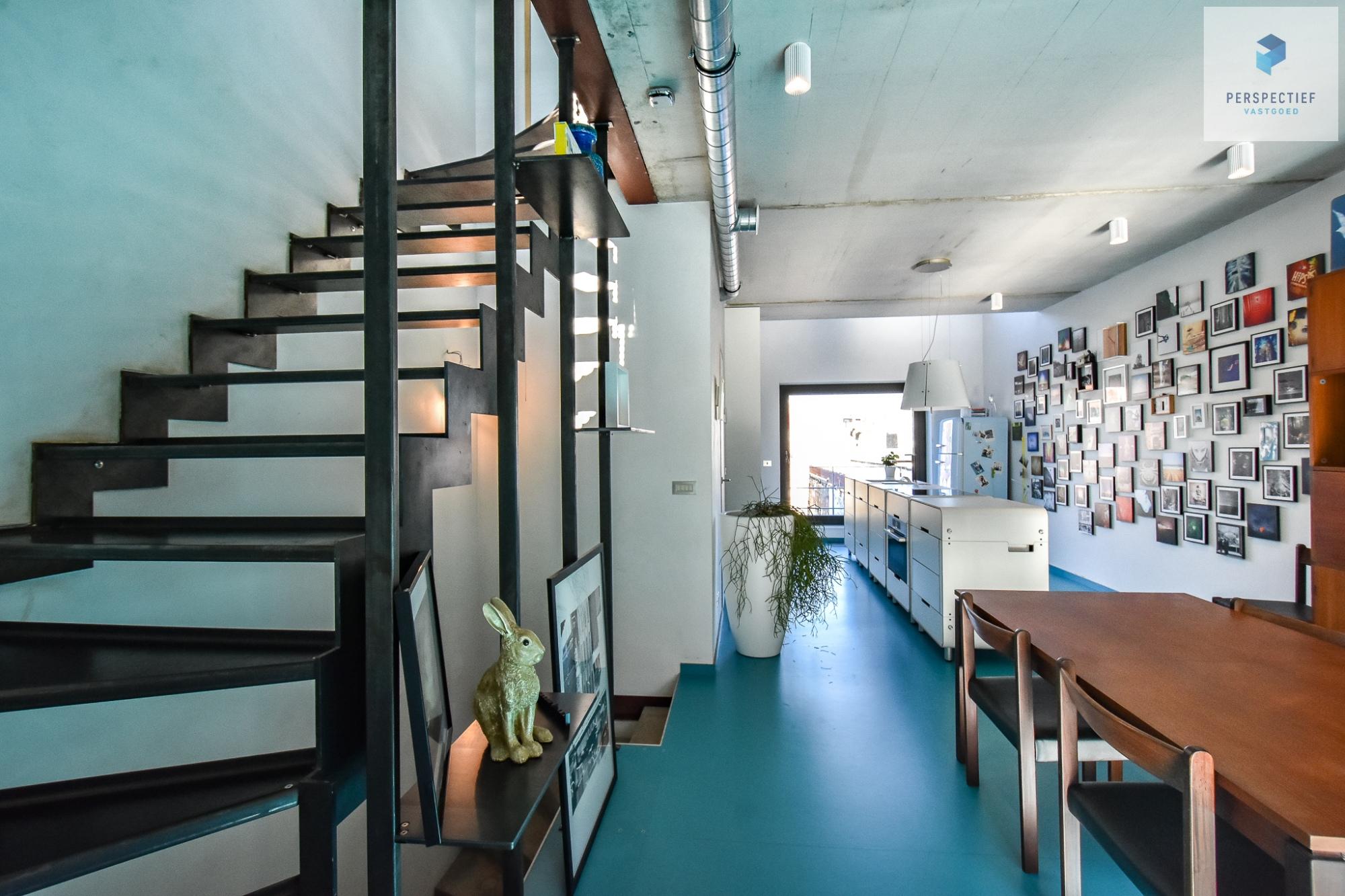Ruime moderne architectenwoning en kantoor (bj 2018) met 3 verdiepingen, spectaculair dakterras en tuin - 6