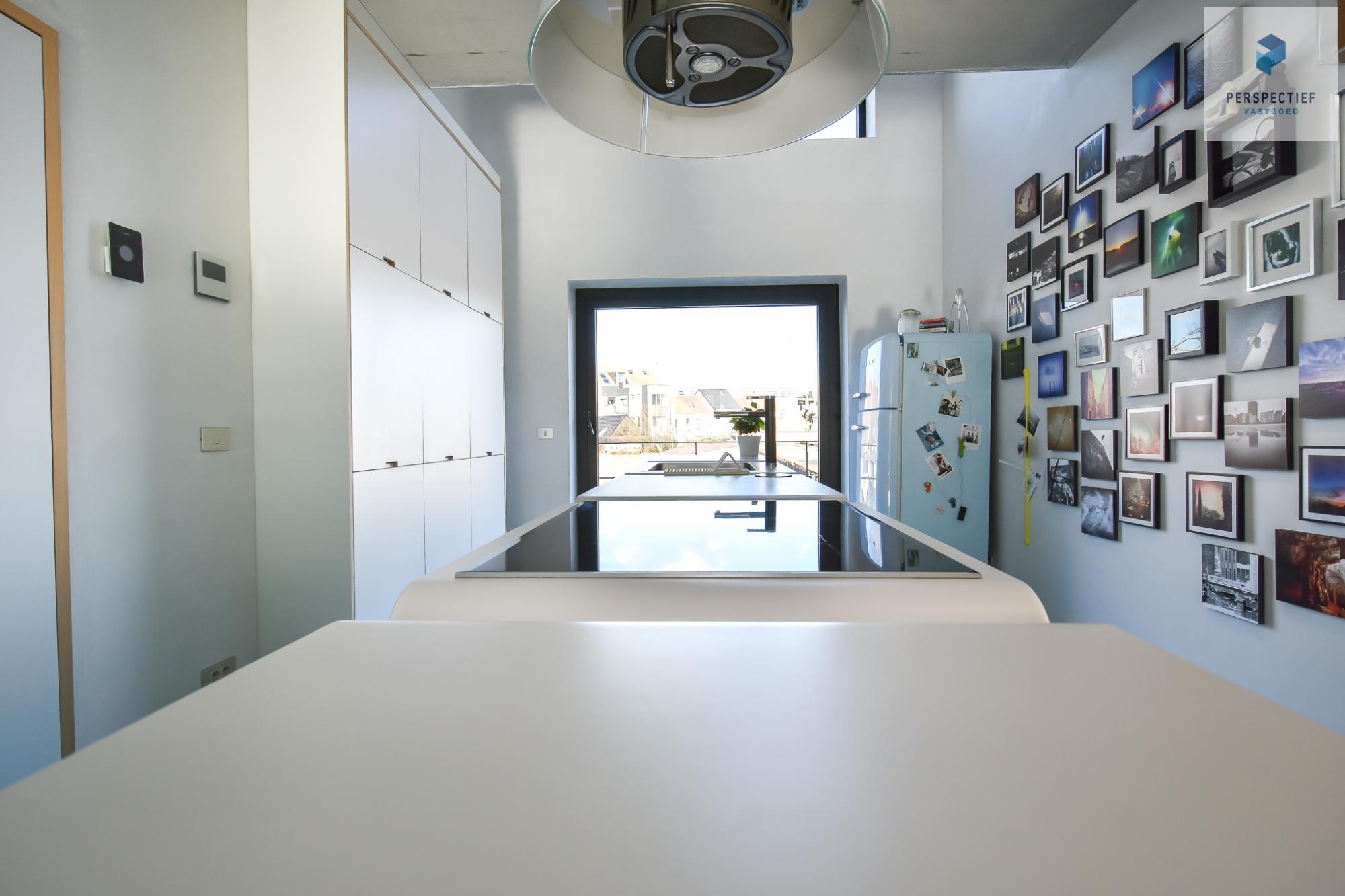 Ruime moderne architectenwoning en kantoor (bj 2018) met 3 verdiepingen, spectaculair dakterras en tuin - 4