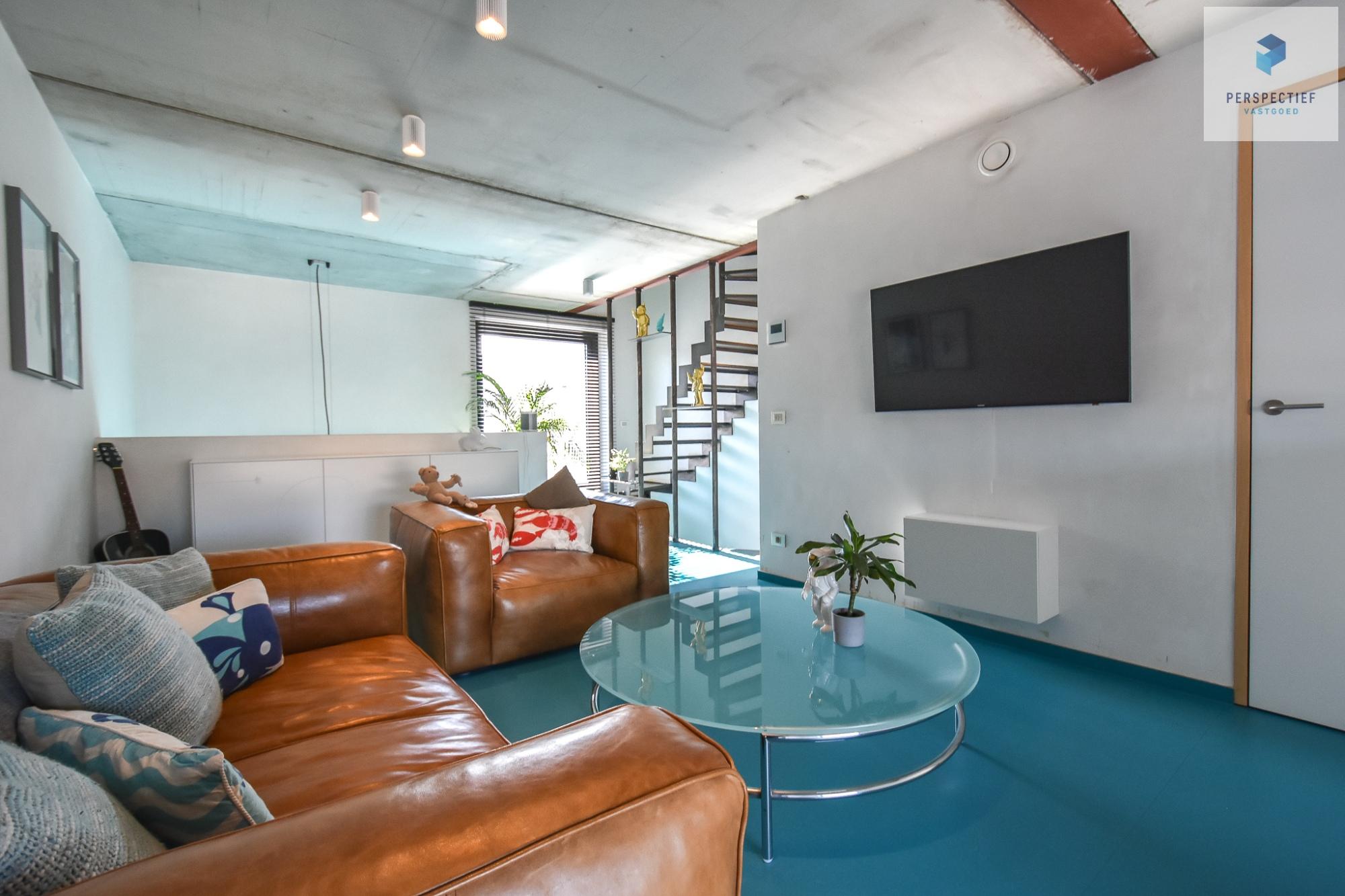Ruime moderne architectenwoning en kantoor (bj 2018) met 3 verdiepingen, spectaculair dakterras en tuin - 16