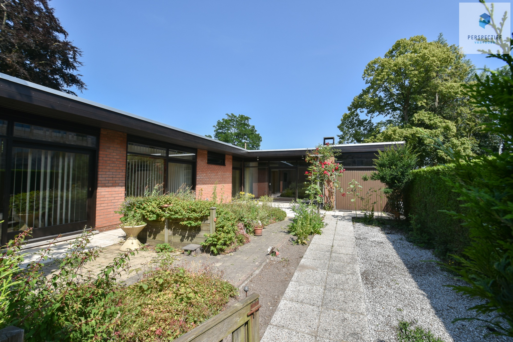 | IN OPTIE | Vrijstaandearchitecturale woningop eentoplocatie, ideaal voor een zelfstandigepraktijk! - 2