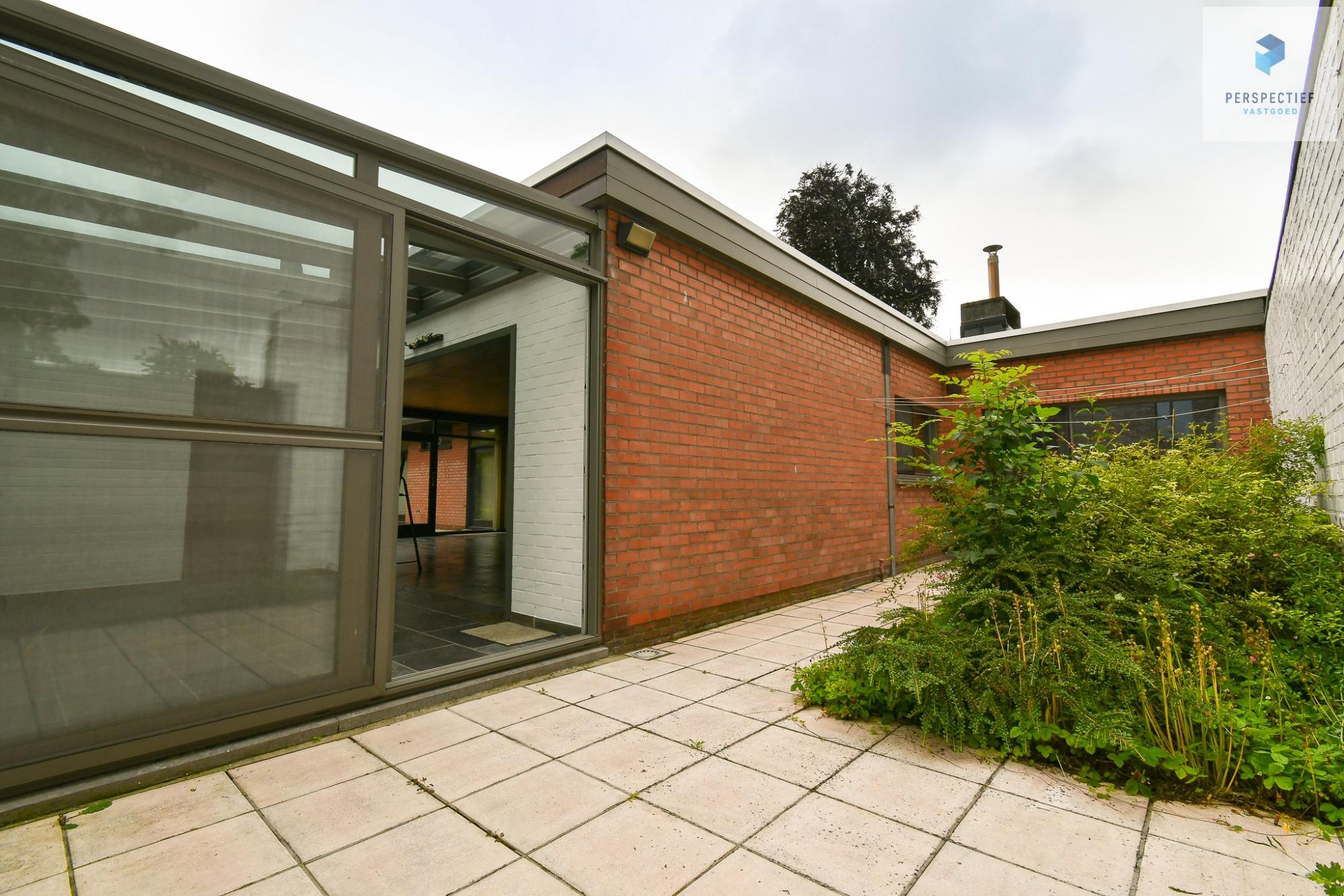 | IN OPTIE | Vrijstaandearchitecturale woningop eentoplocatie, ideaal voor een zelfstandigepraktijk! - 11