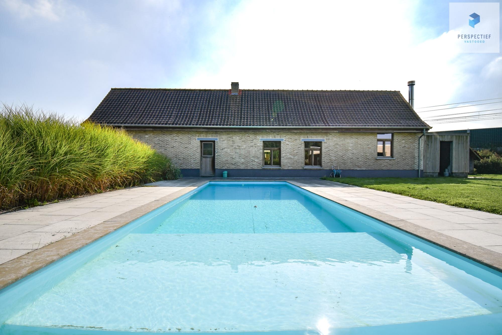 CHARMANTE HOEVE met 18de eeuwse SCHUUR, bijhuis/poolhouse en ZWEMBAD op ca 4550m² - 6